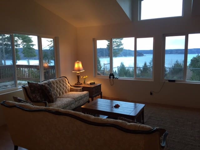 Peaceful Hood Canal Home with Breath Taking Views!