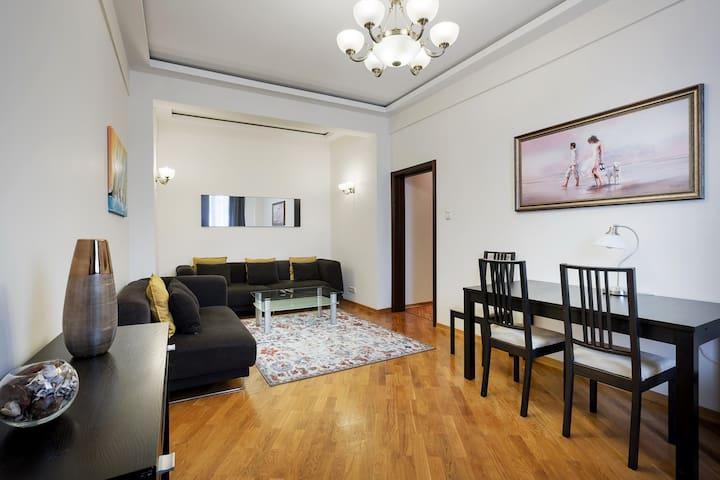 Comfortable apartment on Kutuzovsky Prospekt