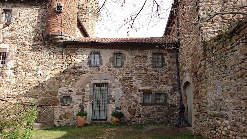 Gîte du Château de Lespinasse - Saint-Beauzire - Villa