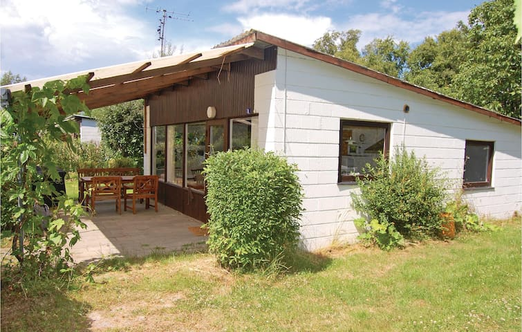 Holiday cottage with 3 bedrooms on 56m² in Nakskov