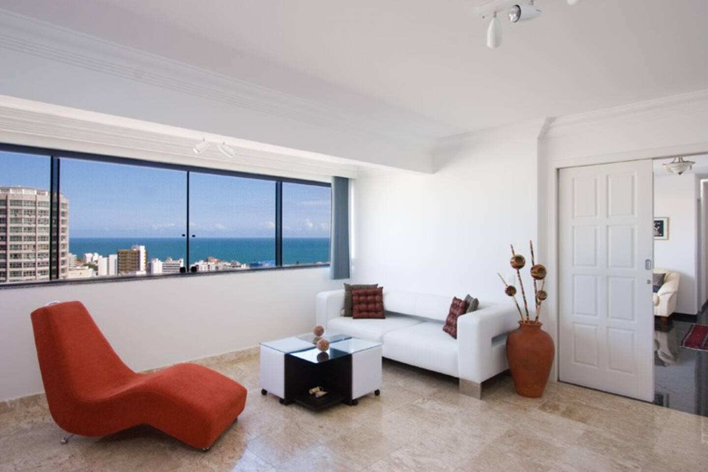 Elegant 2 bdrm with views in Barra