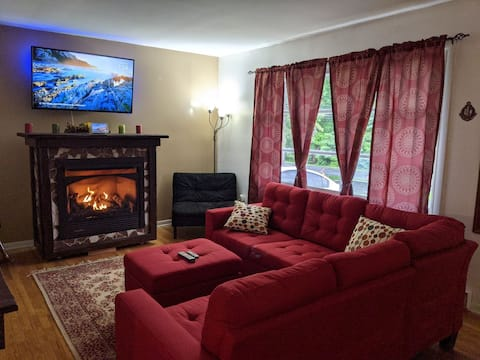 New* Perfect Poconos Getaway For Couples/Families