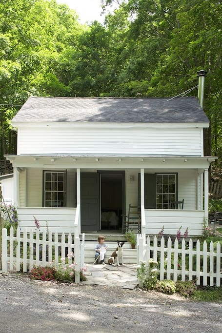 saltbox house built in 1800