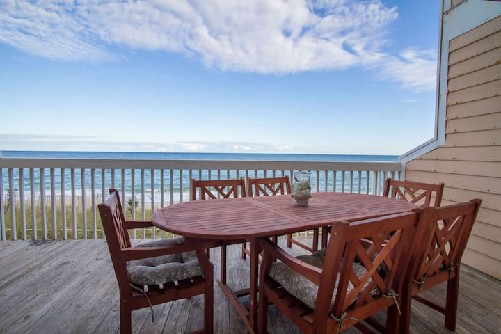 15% Off Fall Bookings! Ocean Front, Indoor/Outdoor Pools with Tennis & Fitness, 2 large decks!