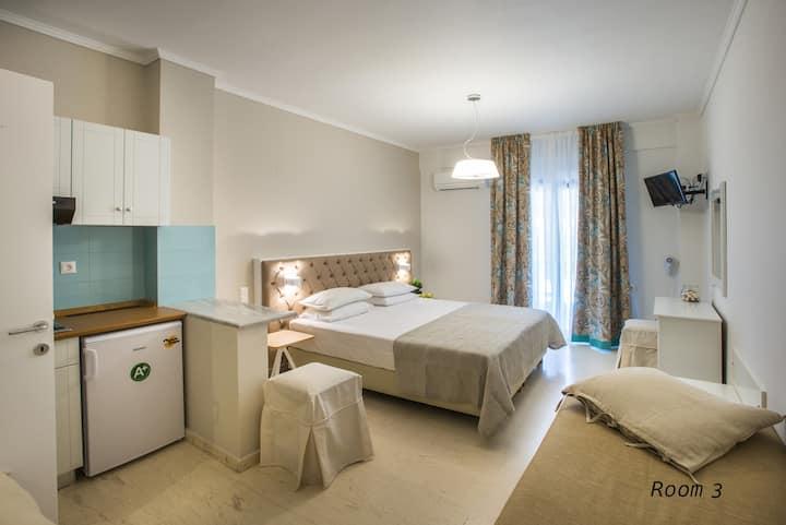 Hotel Oriana - Room 3 - Hill View