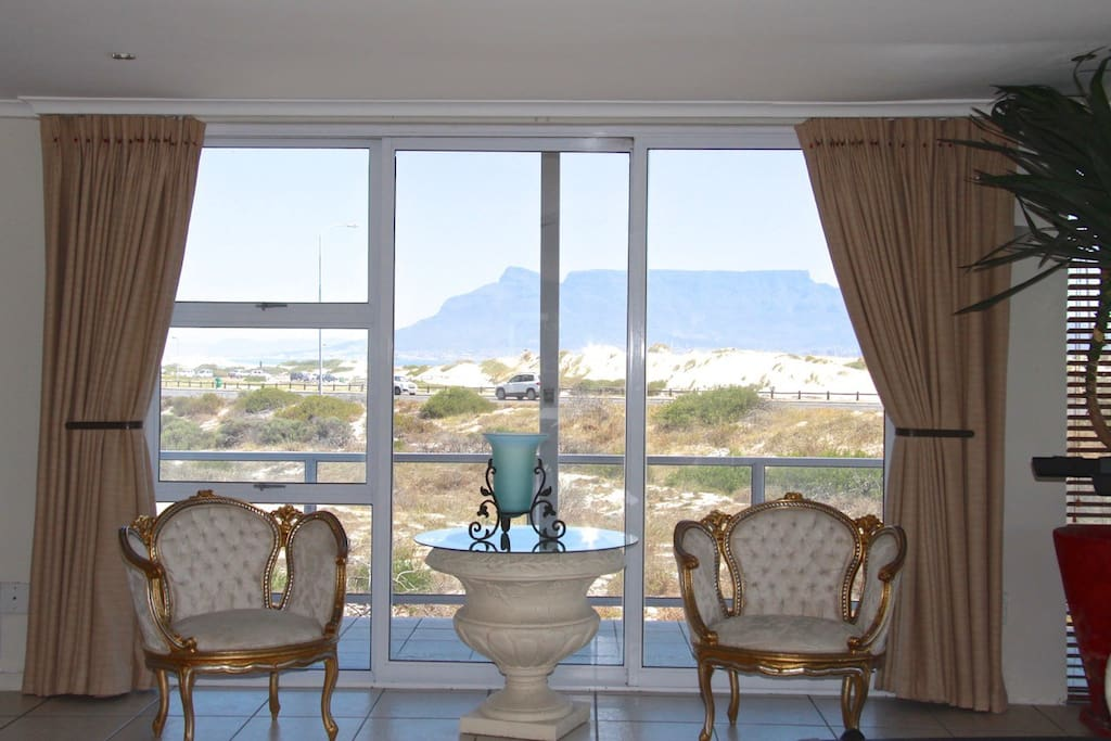 PRIVATE LOUNGE WITH VIEW ON TABLE MOUNTAIN