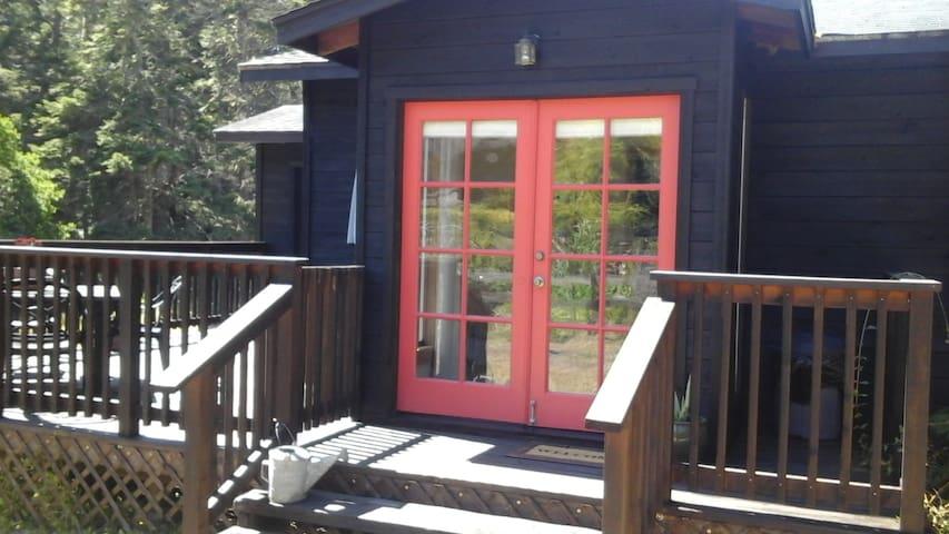 Meadow house Mendocino Coastline - Little River - Hus