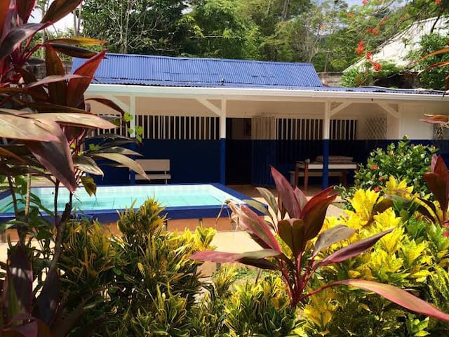 House for 6, walk to the Beach, Jaco, Costa Rica - Jaco - House