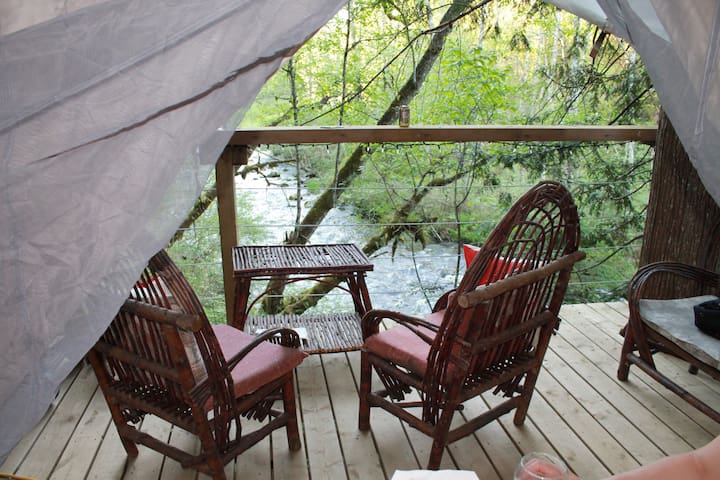 Golden Ears Glamping - Rivers Edge -FREE WILDPLAY!