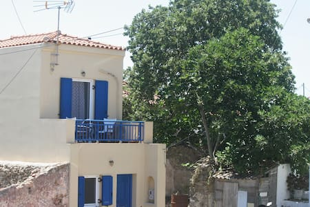 Maisonette 200 metres from Potamos square