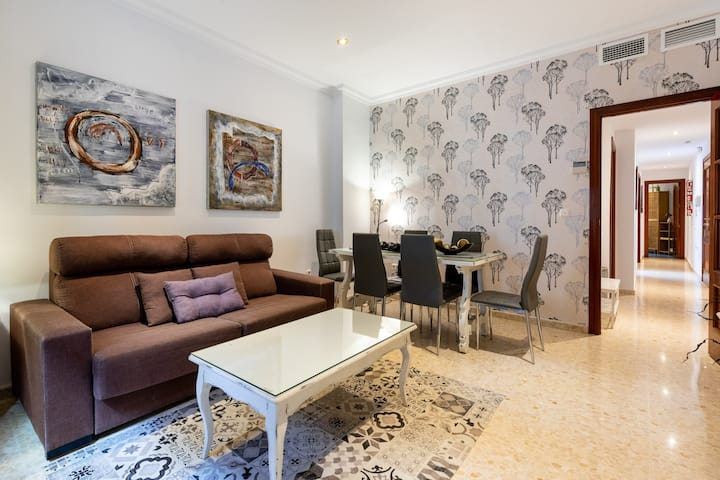 Cozy Apartment Recoletas in Central Location with Wi-Fi; Pets Allowed