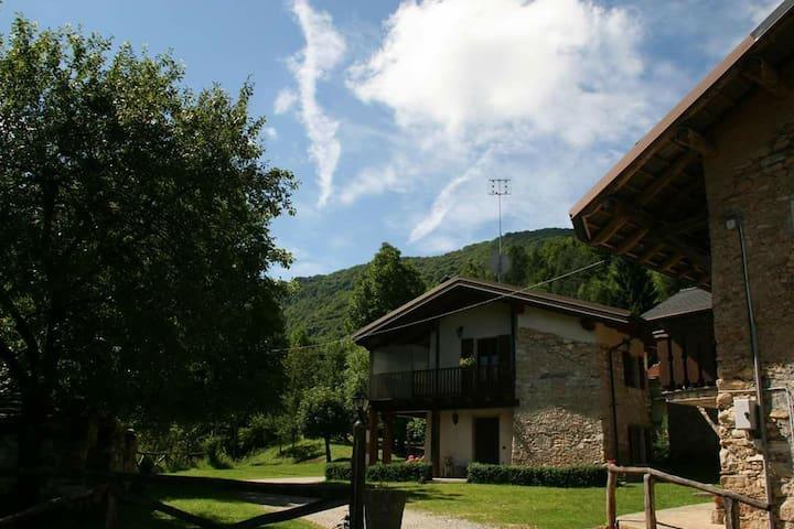 Alloggi a  Dronero Borgata Fatiga - Dronero - Casa