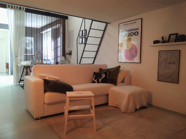 Intero Loft / Casa studio in centro a Prato