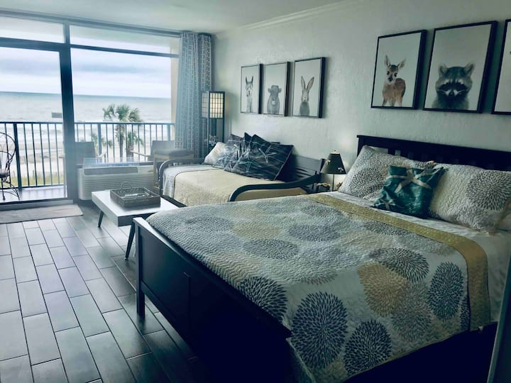 Sand Dunes Resort🦩Oceanfront  🏖Serenity by the Sea