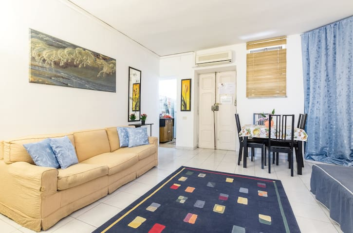 RC Apartment affordable price at  Rome center