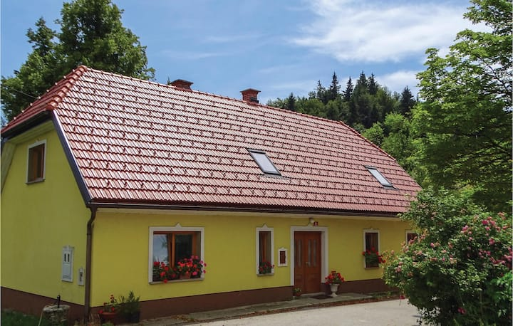 Awesome home in Vransko with WiFi and 2 Bedrooms