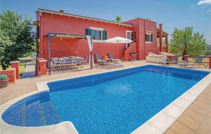 Beautiful home in Port d'Alcúdia with WiFi and 3 Bedrooms