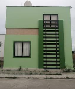 Casa nueva ubicada en Cárdel Veracruz
