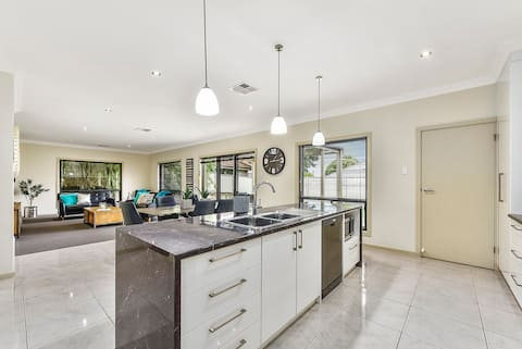 Accommodation on Lansell 1, Mount Gambier