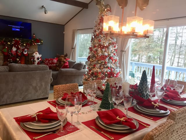 MAKE IT A DECEMBER2 REMEMBER House fully decorated