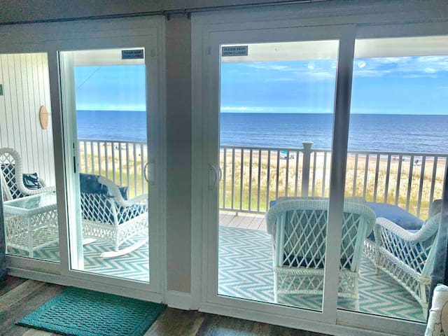 Once Upon a Tide – SPECTACULAR Oceanfront condo