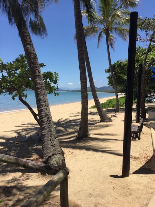Palm Cove beach