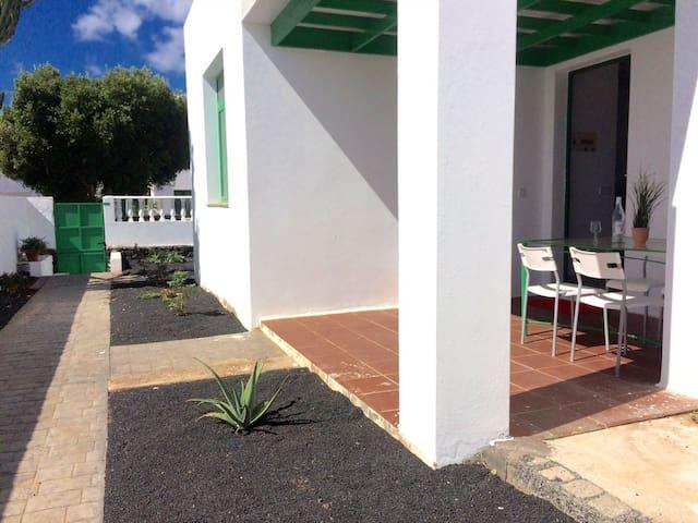 """Grand House """"Cucharas Beach"""""""