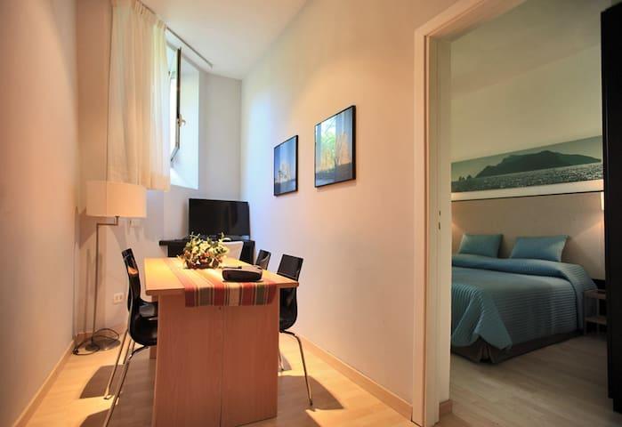 Residenza l 39 sola capri apartment appartamenti in affitto for Appartamenti in affitto arredati napoli