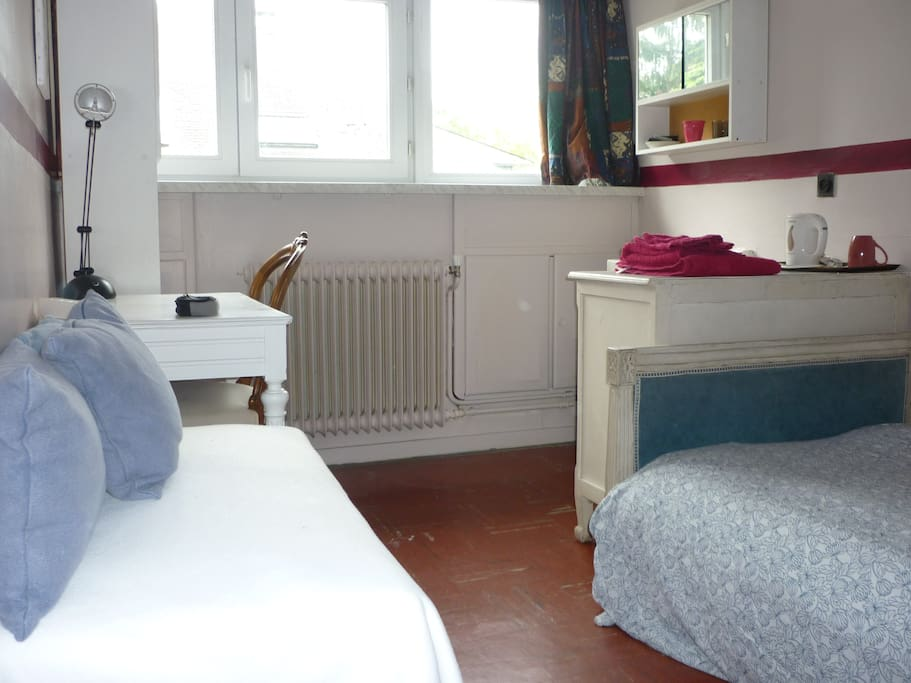 woluwe saint lambert chat rooms Non fumeur, chat gentil explore other options in and around woluwe-saint-lambert more places to stay in woluwe-saint-lambert: houses bed and breakfasts.