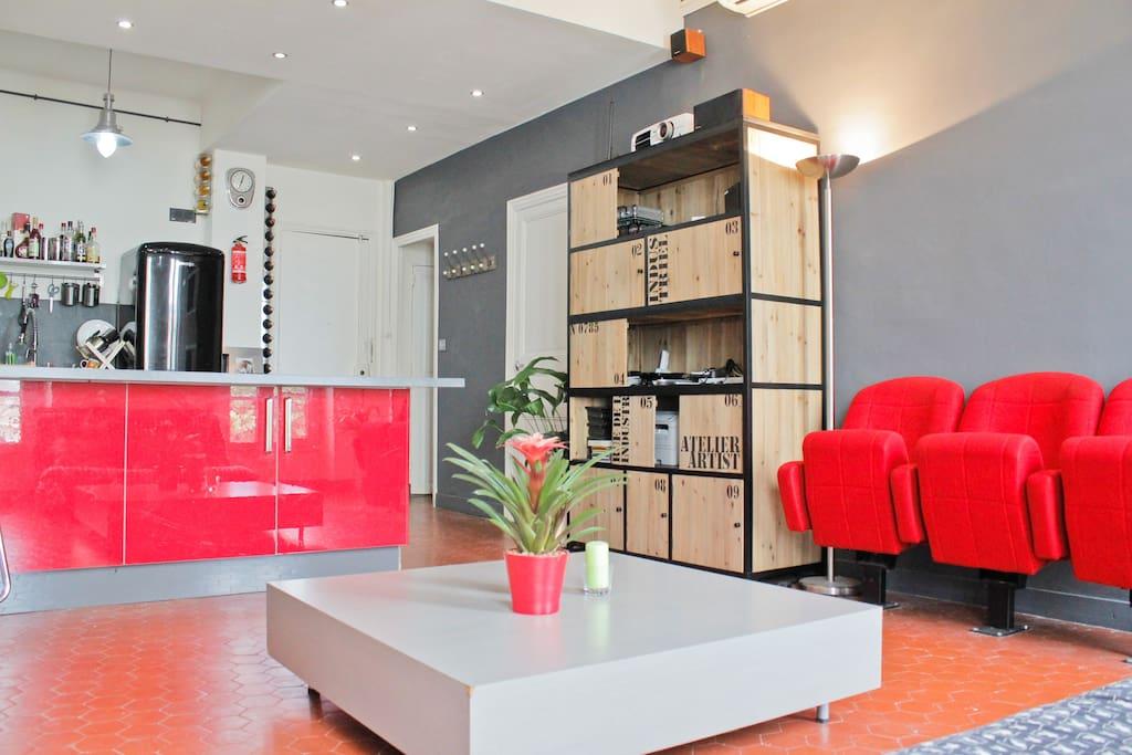 t3 70m2 superbe clim videoprojector appartements louer marseille provence alpes c te d. Black Bedroom Furniture Sets. Home Design Ideas