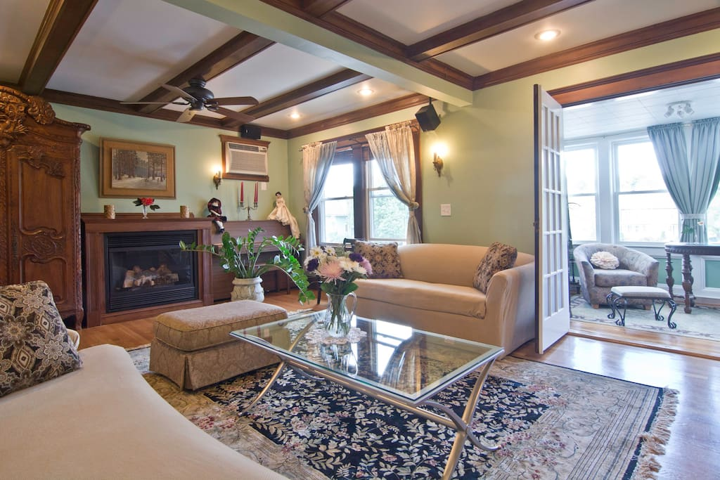 4 bedroom victorian condo unit apartments for rent in