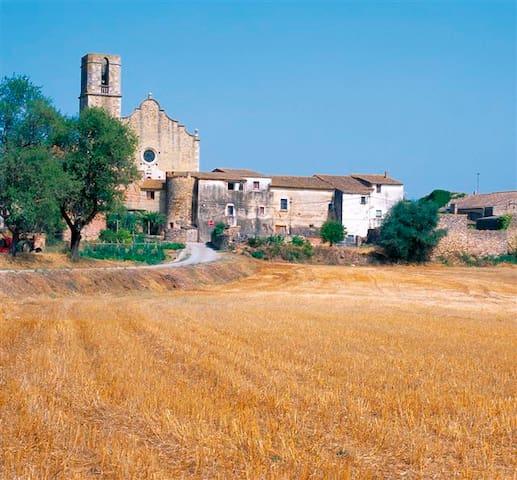 Pueblo Medieval de Regencos.