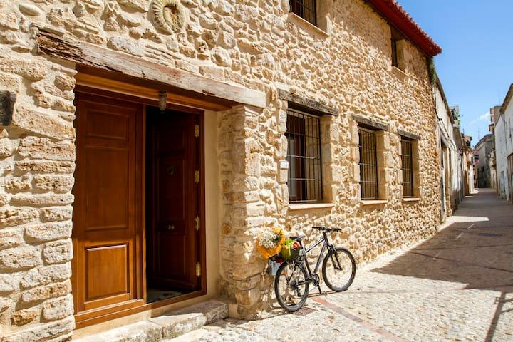 Enjoy XVIth century Dénia's gem - Dénia - House