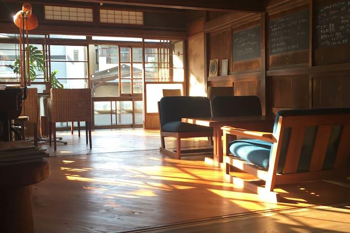 築70年の古民家リノベーション。徒歩30秒で富士山の絶景が見れます!オーガニックゲストハウス