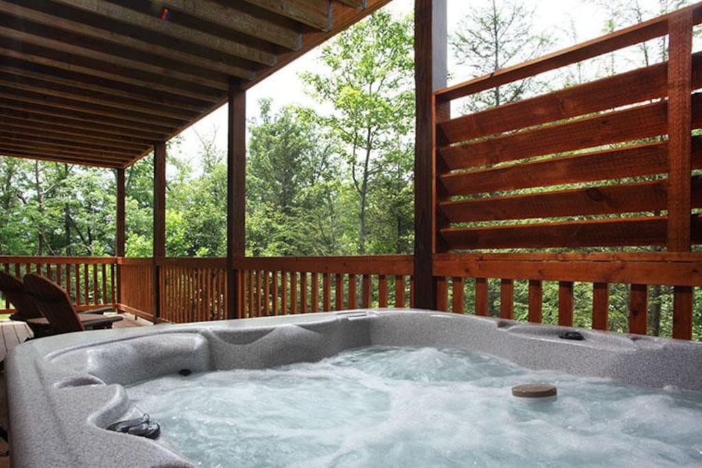 Spectacular Evenings - The hot tub on the deck of Chasin' a Dream is an inviting end to the perfect vacation day.