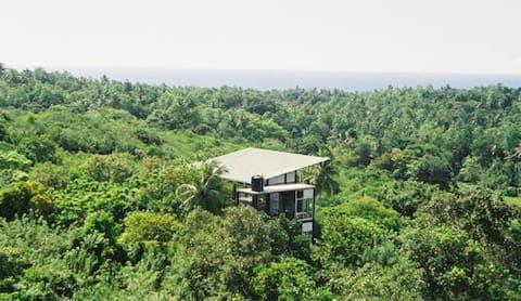 Дерев 'яний будинок з басейном б/у Галле та пляжем Унаватуна