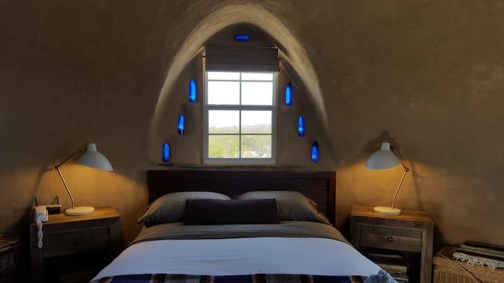 https://www.airbnb.gr/rooms/457547/photos/249373624?_set_bev_on_new_domain=1592576200_8WWjivI6S%2BVSQNyc&source_impression_id=p3_1594814802_ju0tcaqY1dSiAB81&guests=1&adults=1