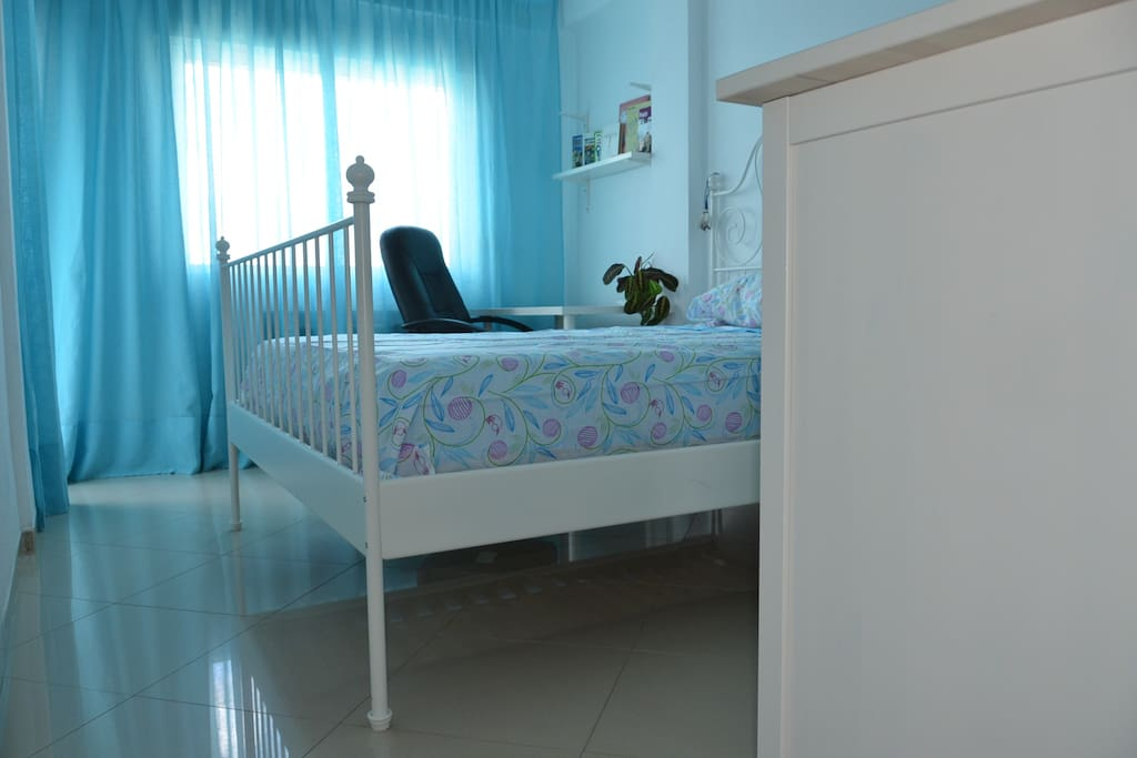 Charming double room with desk, A/C, terrace and private toilet