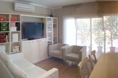 Apartment 30 min Barcelona center