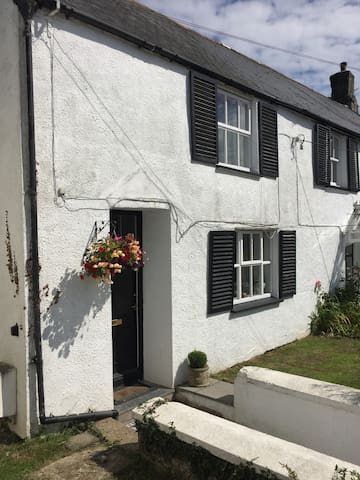 2 bedrooms in a cottage dating back to Tudor Times - Braunton - House