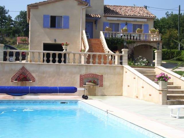 Maison avec piscine et terrain de tennis privés - Crayssac