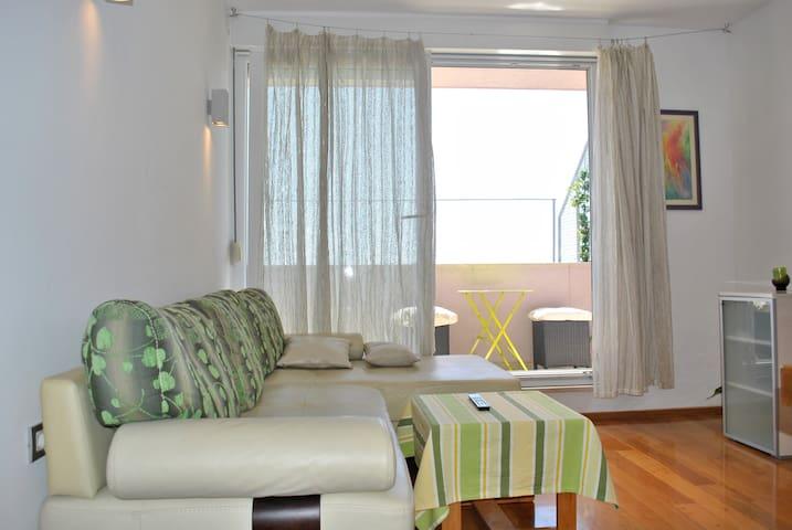 Split-Luxury apartment Žnjan beach