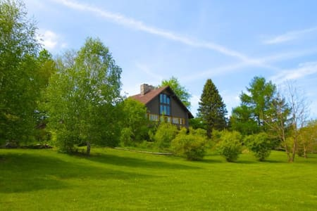 Serenity on 22 acres with a pool - Copake - House