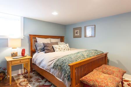 Modern 1-Bedroom in Proctor - Tacoma
