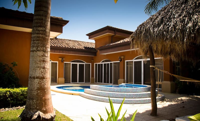 Villa de Los Suenos with private pool