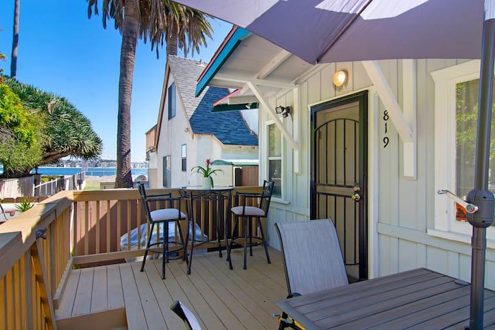 Cute Mission Beach Cottage w/ PARKING