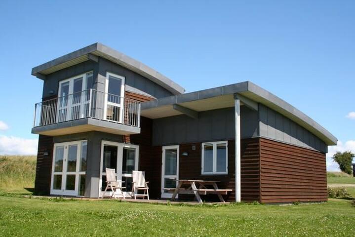 Feriehus med havudsigt og spa - Faaborg - Cabin