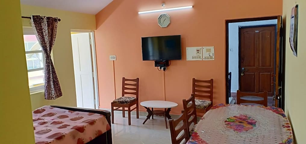 1 BH Self help AC Bedroom homestay Varca South Goa