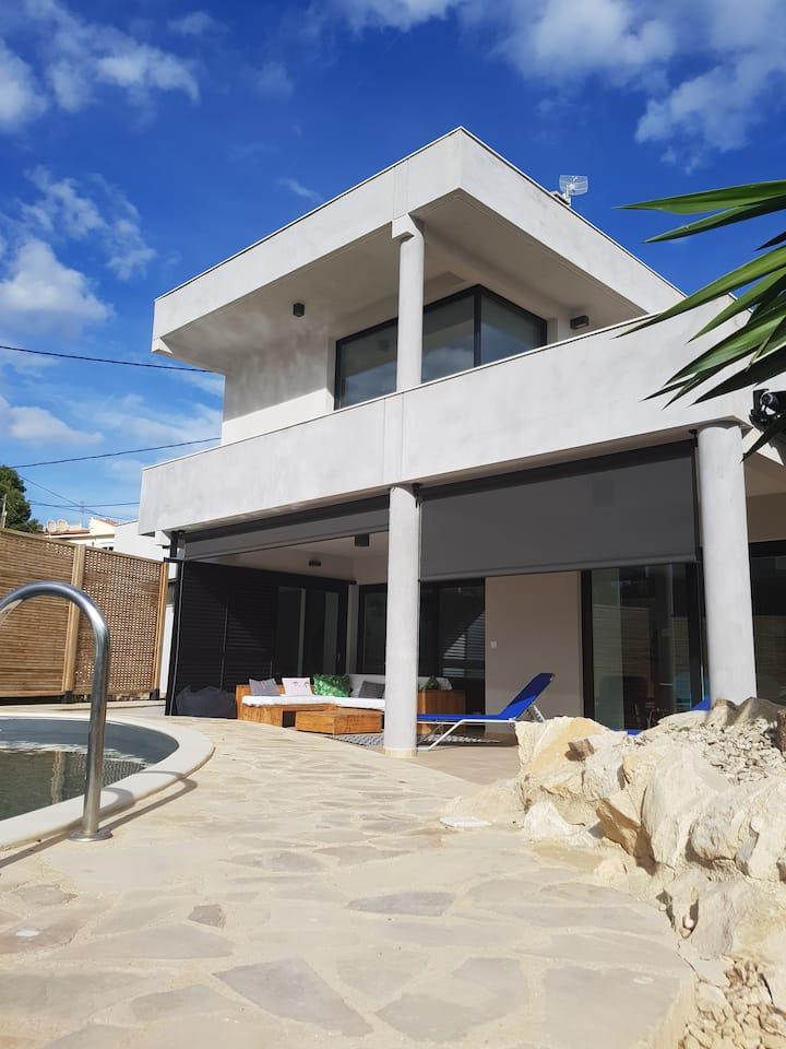 Villa Contemporaine avec Piscine Superbes Vues Mer