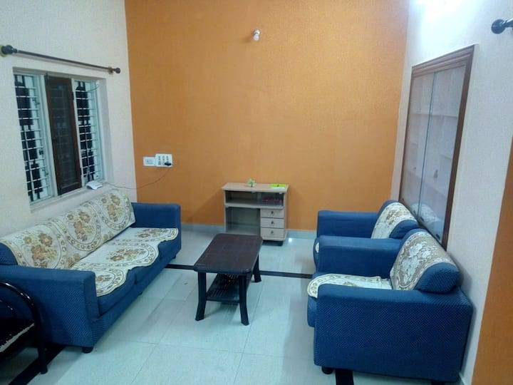 Furnished room with Kitchen, Lounge and Fast Wifi